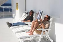 Internationale Frachtschiffreisen Pfeiffer - Von Seegang und Landgang - Deck Chairs