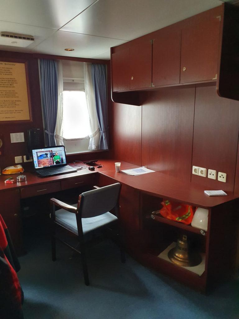 Internationale Frachtschiffreisen Pfeiffer - Besonderheiten von Frachtschiffreisen - Leben an Bord - Unterbringung und Verpflegung 1